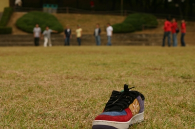 flying_shoes.jpg